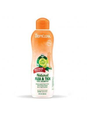 Tropiclean Szampon na pchły dla psów i kotów Natural Flea & Tick Shampoo 592 ml